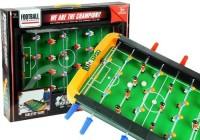 Stół piłkarski. Piłkarzyki. Piłka nożna - gra stołowa - zdjęcie zabawki, gry