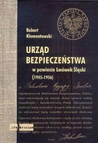 Urząd Bezpieczeństwa w powiecie - okładka książki